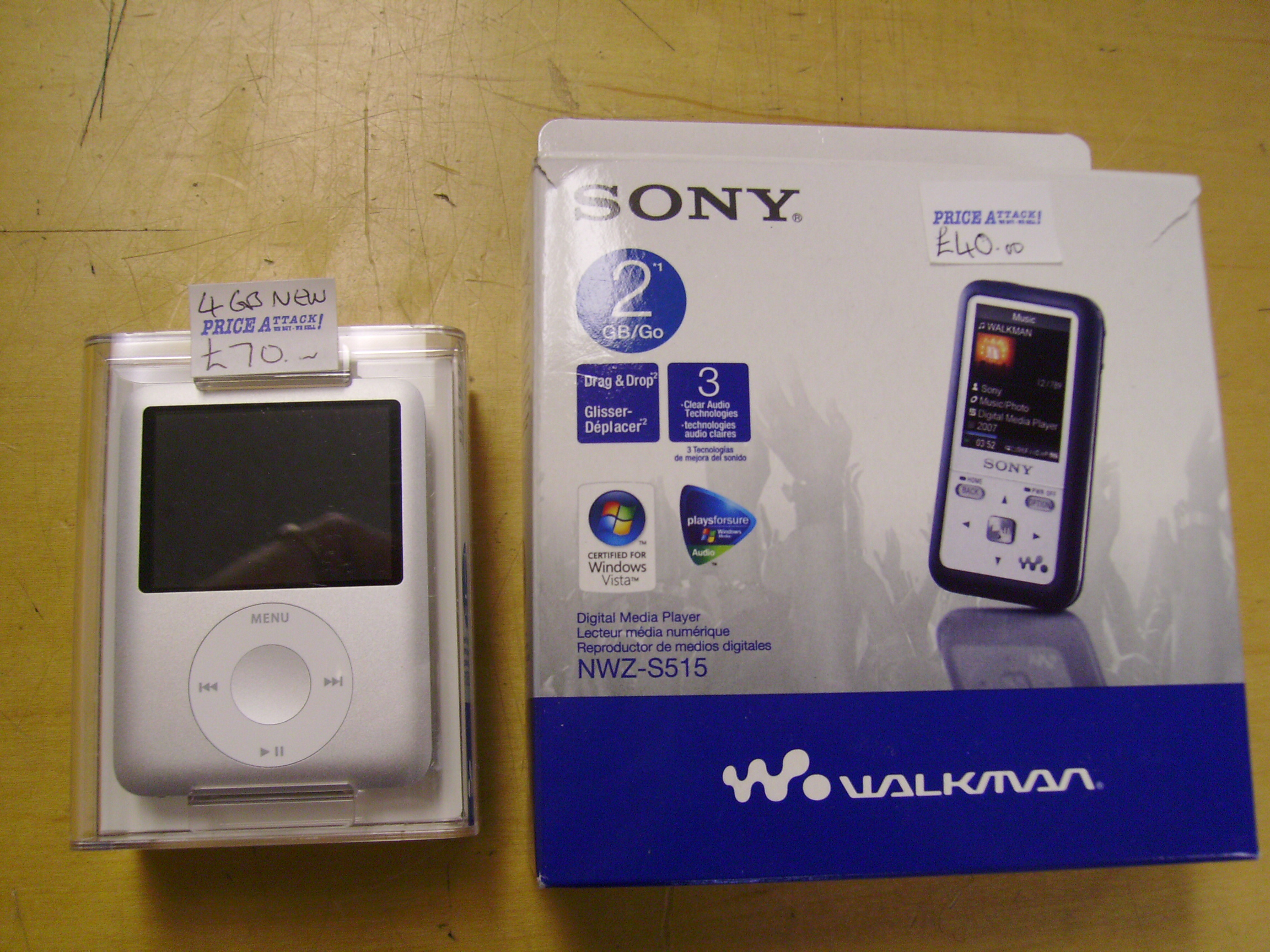 MP3 / MP4 players & IPODs plus docking stations and accesories